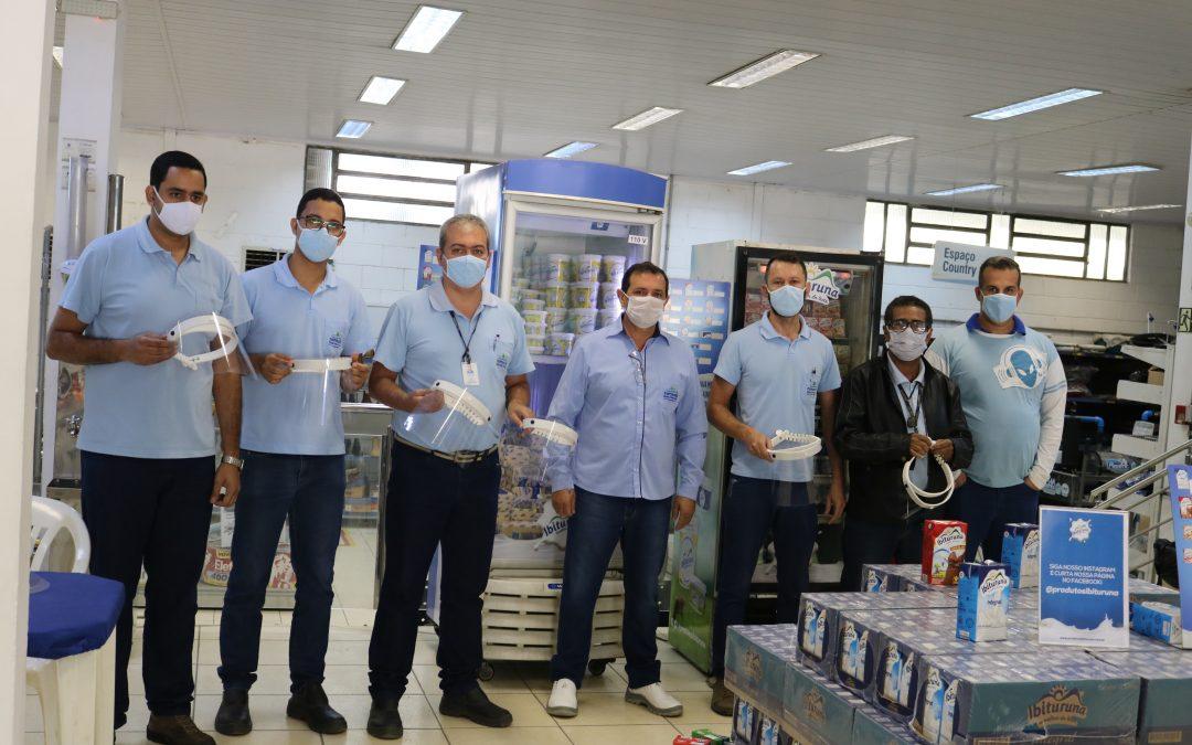 Colabores do Armazém recebem protetor facial